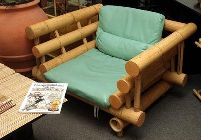 Кресло из стволов бамбука без лакировки