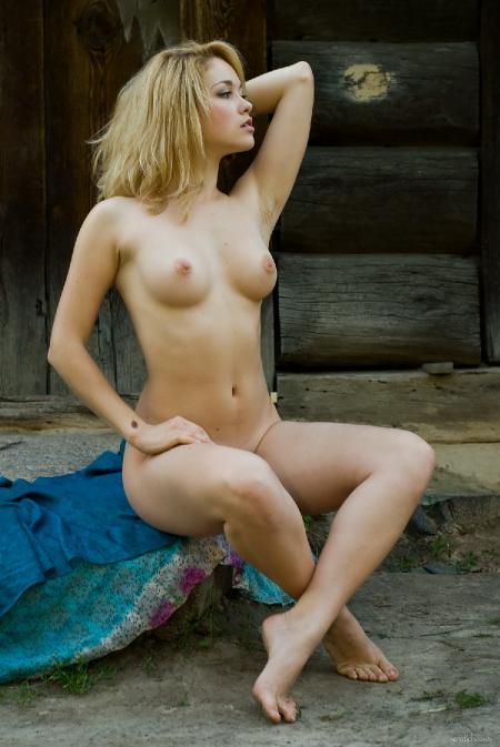 EroticBeauty: Vikta - Presenting 1 (17*05*2014)