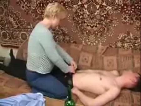 Тетя Маша отъимела пьяного племянника