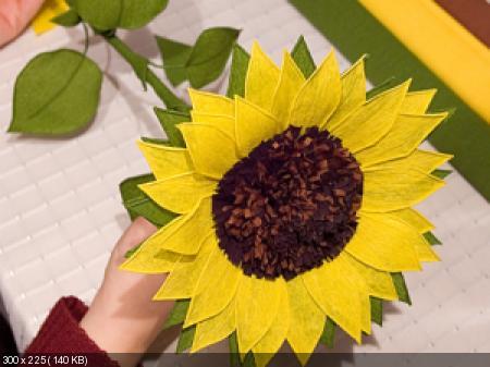 Цветы из гофрированой бумаги 6d0d1f1b2f8c6965f643df094da78e25