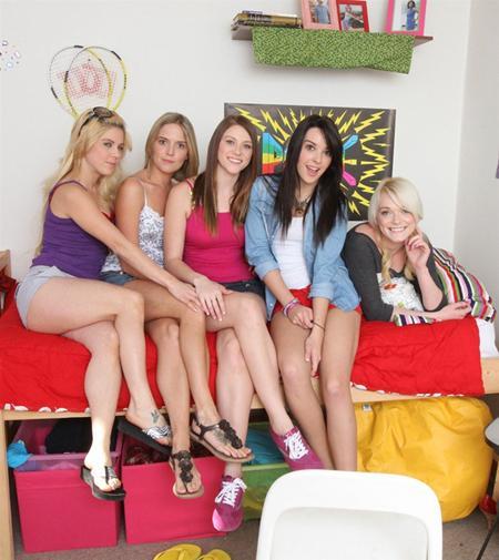 Пять подружек и один член